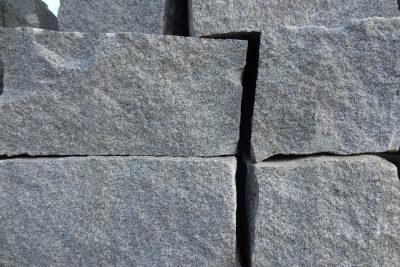 Granit Mauersteine Bayernwald – blaugrau