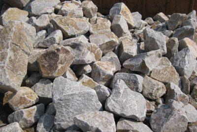 Schwarzwälder Granit Wasserbausteine
